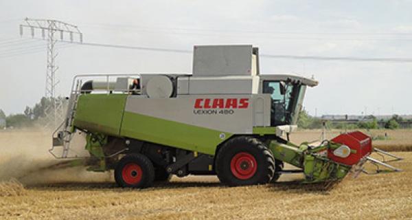 Claas Lexion Combine 2010 ->